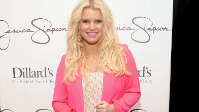 PHOTO: Jessica Simpson visits Dillard's at International Plaza for the launch of the Jessica Simpson Collection, Nov. 17, 2012 in Tampa, Florida.