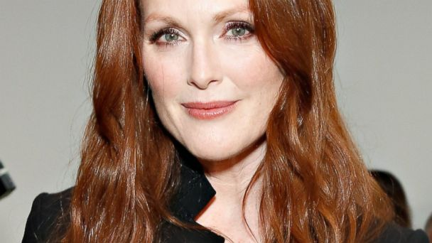 gty julianne moore kb 131220 16x9 608 Why Julianne Moore Wants to Age as Naturally as Possible