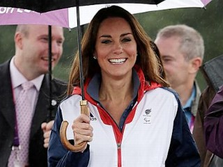 Photos: Kate Goes Sporty With Track Suit