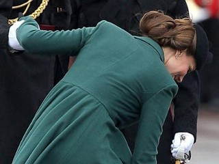Photos: Kate Middleton Stuck in Grate