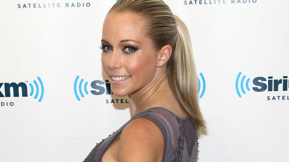 PHOTO: Kendra Wilkinson visits the SiriusXM Studios in New York, Sept. 13, 2013.