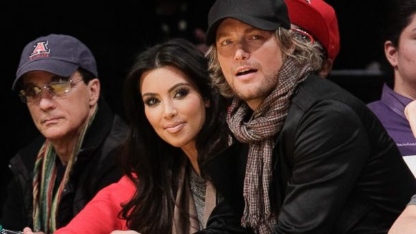 PHOTO: Kim Kardashian and Gabriel Aubry attend a game between the Golden State Warriors and the Los Angeles Lakers at Staples Center on November 21, 2010 in Los Angeles, Calif.