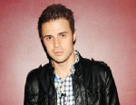 PHOTO: Kris Allen attends his surprise performance at The Darby Restaurant, May 22, 2012 in New York City.