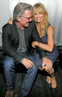 Goldie Hawn and Kurt Russell Cuddle Up