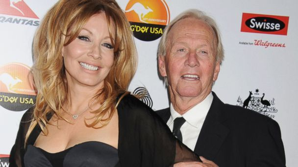 gty linda paul hogan divorcing thg 131018 16x9 608 Crocodile Dundee Star Paul Hogan and Linda Kozlowski Divorcing