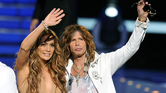 "PHOTO: Judges Jennifer Lopez and Steven Tyler walk onstage during Fox's ""American Idol 2011"" finale results show."