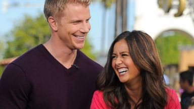 "PHOTO: Sean Lowe (L) and Catherine Giudici visit ""Extra"" at Universal Studios Hollywood, Jan. 23, 2014 in Universal City, Calif."