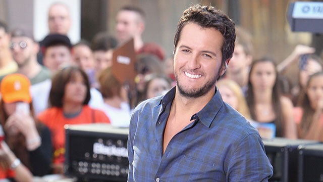 """PHOTO:Luke Bryan performs on NBC's """"Today"""" at Rockefeller Plaza on August 16, 2013 in New York."""