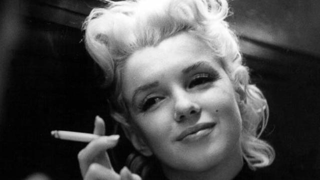 candid moments of the legendary marilyn photos   abc news