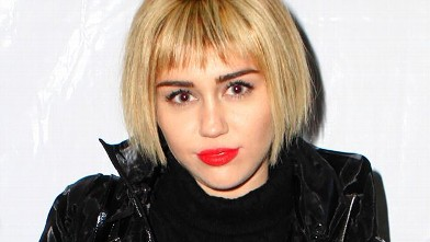 Miley Cyruss Tries A Bob
