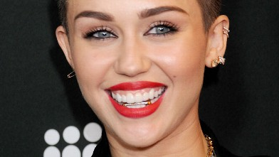 PHOTO: Actress/singer Miley Cyrus arrives at the Myspace event at El ...