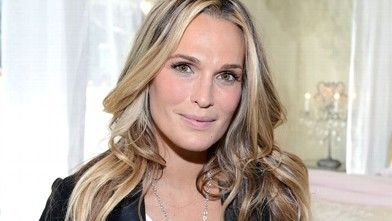 PHOTO: Actress Molly Sims attends the Restoration Hardware Baby And Child Gallery Opening at Third Street Promenade on November 10, 2012 in Santa Monica, Calif.