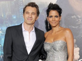 Halle Berry Is Pregnant