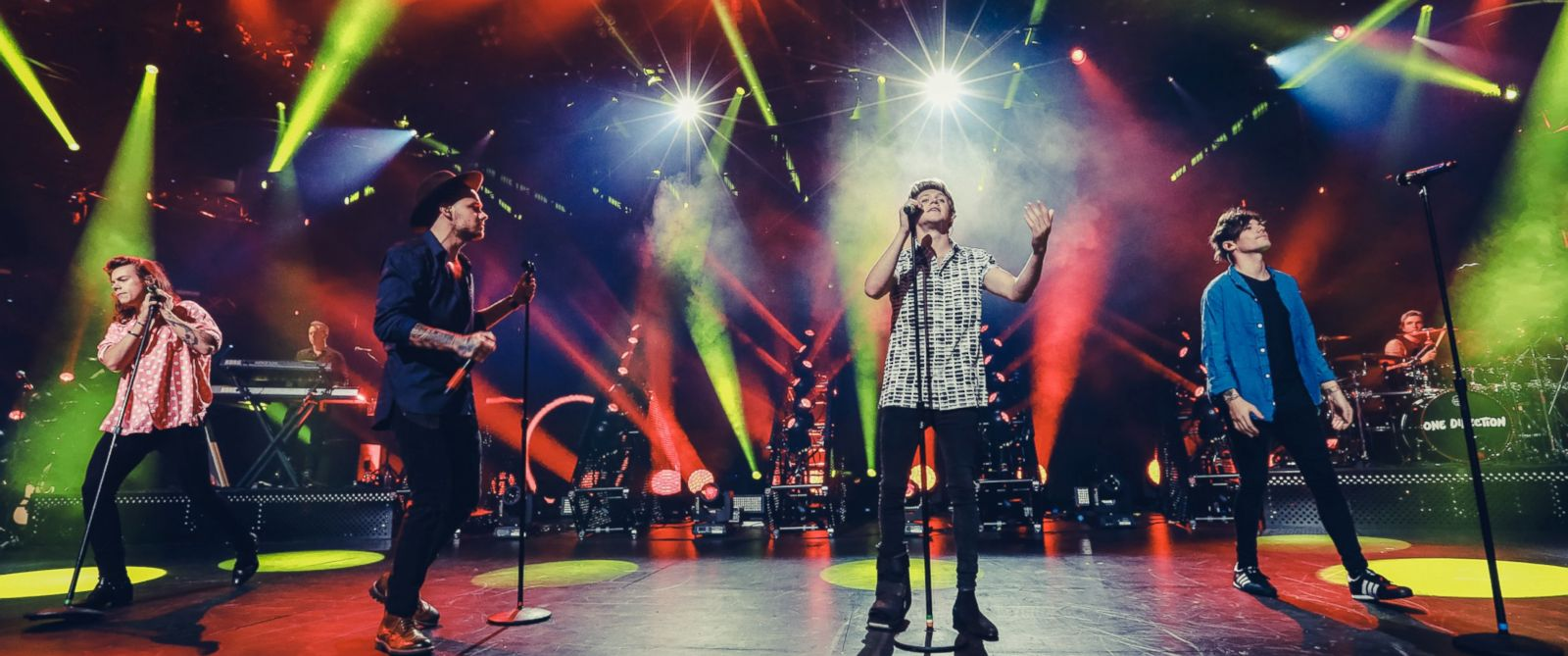 PHOTO: Harry Styles, Liam Payne, Niall Horan and Louis Tomlinson of One Direction perform on stage at The Roundhouse on Sept. 22, 2015 in London.