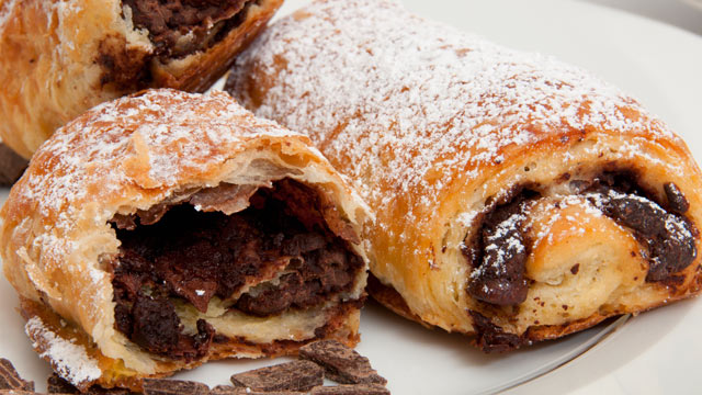 PHOTO: Powdered sugar on chocolate croissants are seen here in this undated stock photo.