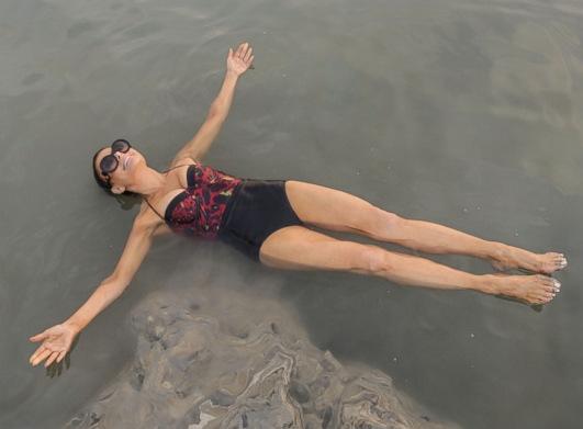 Paula Abdul Visits the Dead Sea.
