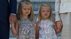 PHOTO: Princess Leonor of Spain, left, and Princess Sofia of Spain, right, meet Pope Benedict XVI