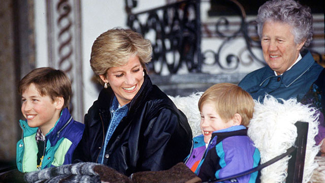 PHOTO: Prince William and Prince Harry ride in a carriage with Princess Diana and nanny Olga Powell in Lech, Austria, March 30, 1993.