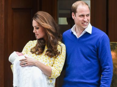 PHOTO: Prince William, Duke of Cambridge and Catherine, Duchess of Cambridge depart the Lindo Wing with their newborn baby daughter Charlotte at St Marys Hospital, May 2, 2015, in London.