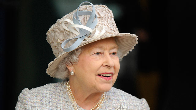 PHOTO: Queen Elizabeth II attends Ascot racecourse, Oct. 20, 2012 in Ascot, England.