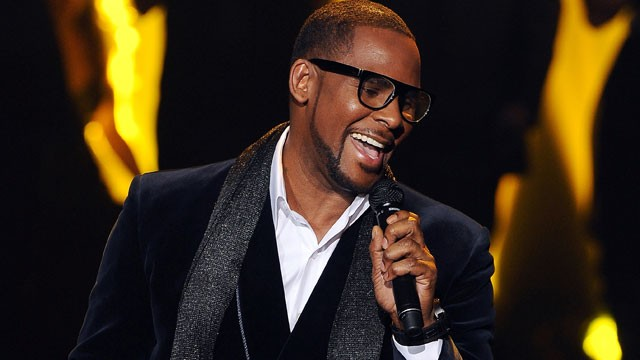 PHOTO: R. Kelly performs onstage at FOX's 'The X Factor' Top 3 Live Performance Show on Dec. 21, 2011.
