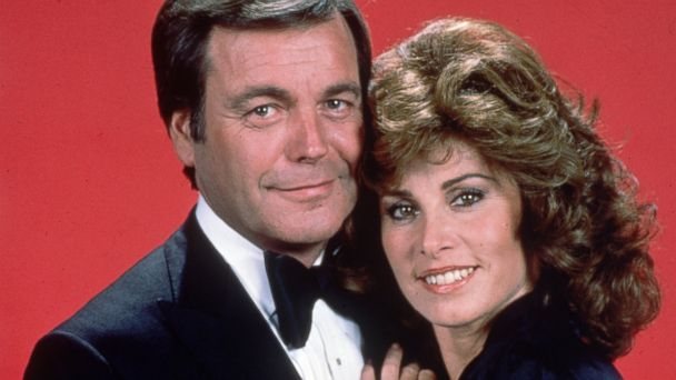 gty robert wagner stefanie powers hart to hart thg 131016 16x9 608 Hart to Hart Cast Reunites, Thanks to Entertainment Weekly