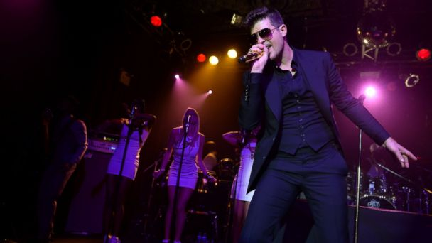 gty robin thicke kb 131024 16x9 608 Robin Thicke on Love Lessons From His Famous Father