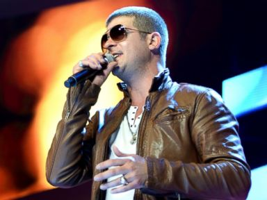Robin Thicke Admits He's 'Flying by the Seat of My Pants' to Woo Back Wife