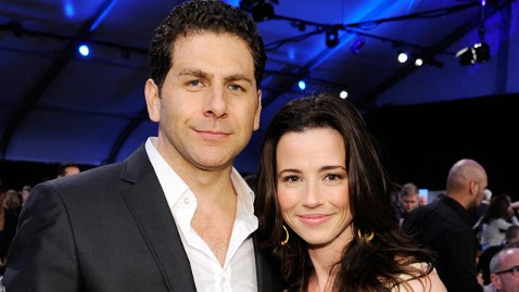 gty rodriguez cardellini ml 130610 wblog Photo: Linda Cardellini Engaged  See Her Ring!
