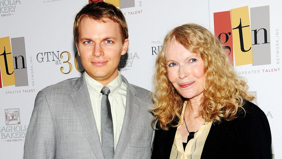 PHOTO: Ronan Farrow and his mother, actress Mia Farrow