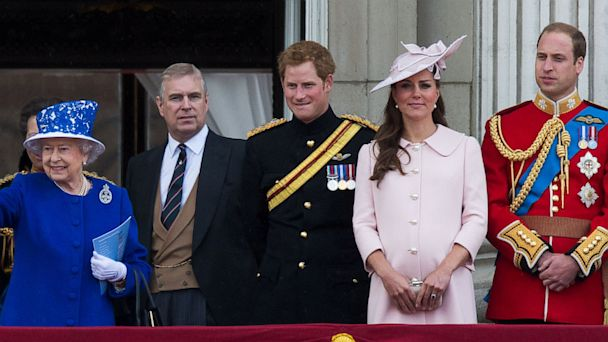 PHOTO: Camilla, Duchess of Cornwall, Prince Charles, Prince of Wales, Queen Elizabeth II,