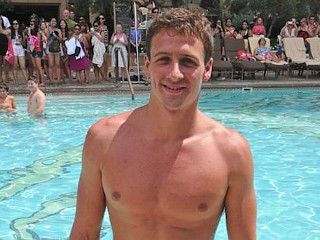 Photos: Ryan Lochte Celebrates Birthday Poolside