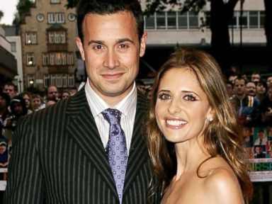 PHOTO:Freddie Prinze Jr. and Sarah Michelle Gellar arrive at the UK premiere of Hairspray in this file photo, July 5, 2007, in London.