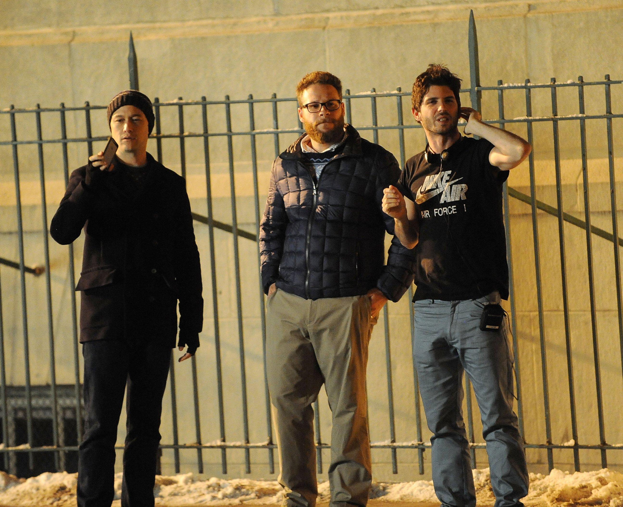 Seth Rogen Shoots Christmas Project with Joseph Gordon-Levitt