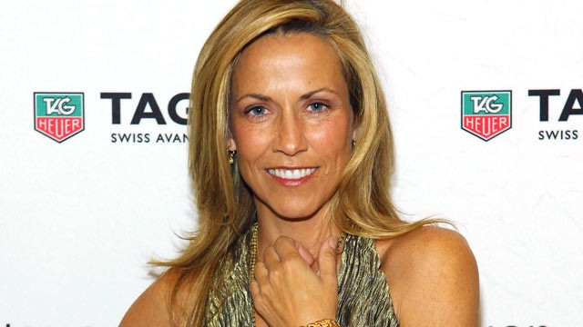 PHOTO: Sheryl Crow arrives at the TAG Heuer LINK Lady Launch Party at the Mix Lounge at THEhotel at Mandalay Bay on June 1, 2012 in Las Vegas, Nevada.
