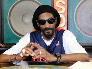 Snoop Dogg, Brad Pitt Support Obama