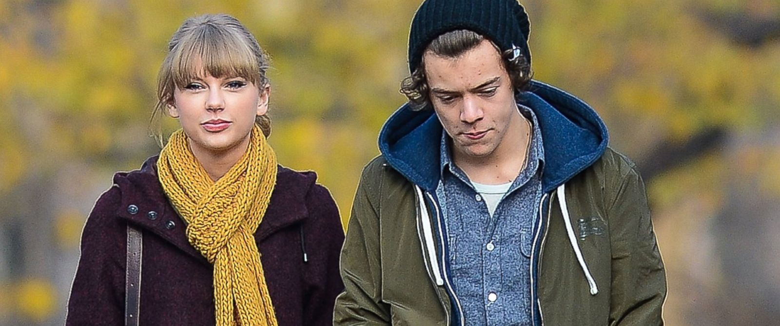 PHOTO: Taylor Swift and Harry Styles are seen walking around Central Park Dec. 2, 2012, in New York City.