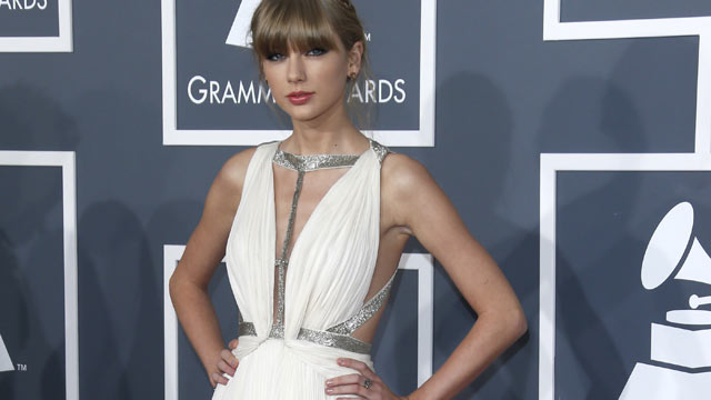 PHOTO: Taylor Swift arrives at the 55th Annual Grammy Awards at the Staples Center, Feb. 10, 2013 in Los Angeles.