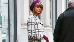 Taylor Swift Chic as Ever in NYC!