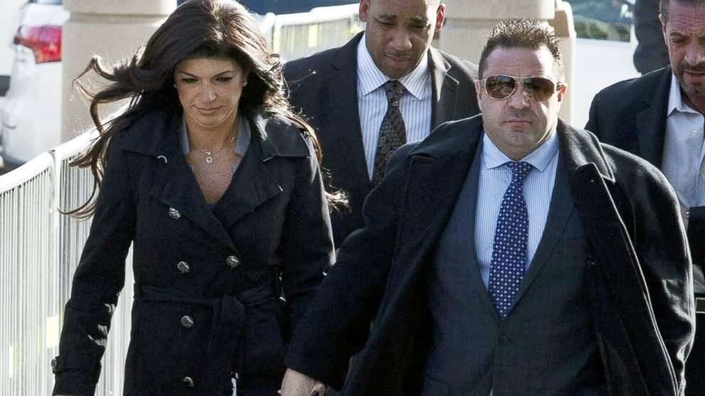 "PHOTO: Giuseppe ""Joe"" Giudice and his wife, Teresa Giudice walk out of the Martin Luther King, Jr. Courthouse after a court appearance, Nov. 20, 2013, in Newark, N.J."