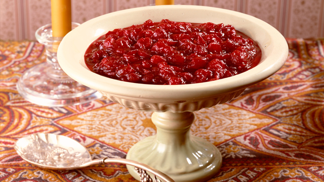 PHOTO: Cranberries are a traditional ingredient on Thanksgiving tables.