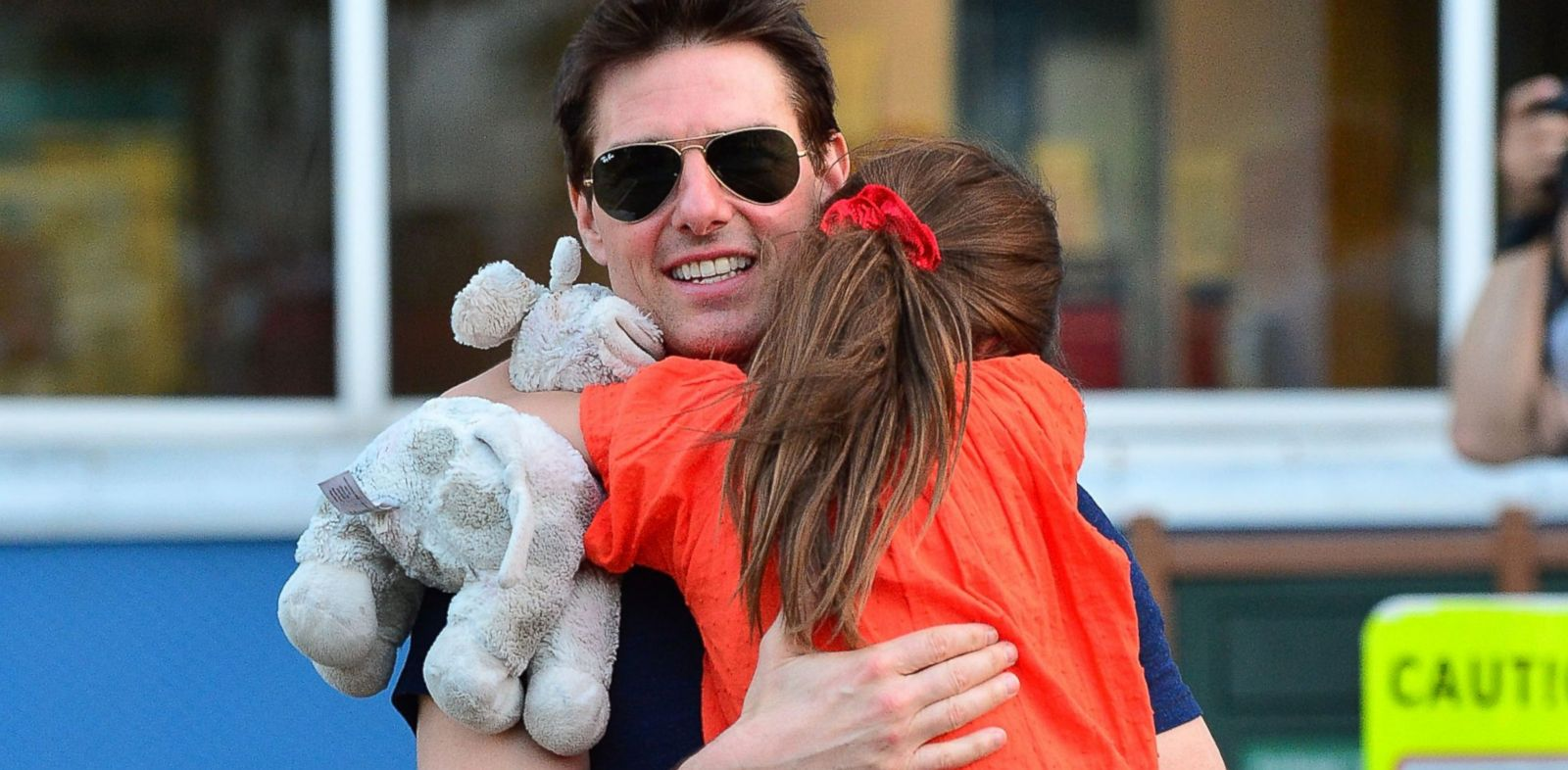 PHOTO: Tom Cruise and Suri Cruise leave Chelsea Piers on July 17, 2012 in New York City.