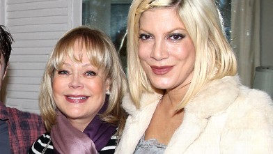 "PHOTO: Candy Spelling and Tori Spelling pose backstage at the hit musical ""How to Succeed in Business Without Really Trying"" on Broadway at The Hirshfeld Theater, April 3, 2011 in New York City."