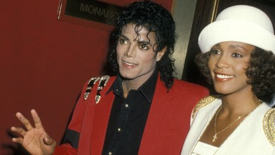 PHOTO: Michael Jackson and Whitney Houston attend the 44th Anniversary of The United Negro College Fund, March 10, 1988.