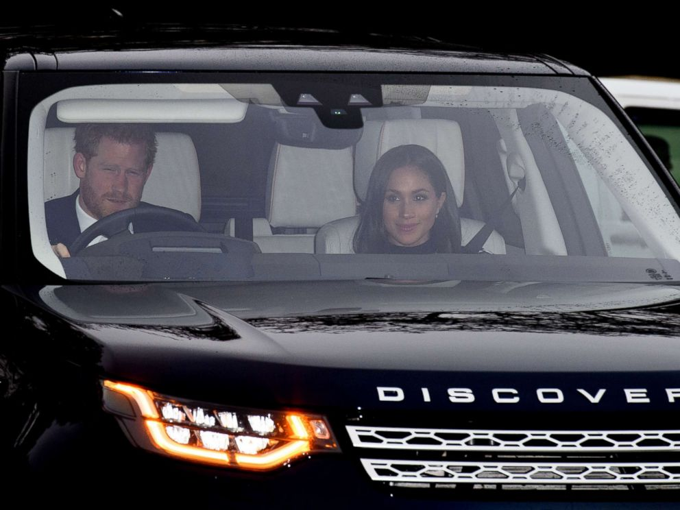 'PHOTO: Prince Harry and Meghan Markle arrive1_b@b_1the Royal Christmas lunch1_b@b_1Buckingham Palace, London, Dec. 20, 2017.' from the web at 'http://a.abcnews.com/images/Entertainment/harry-markle-rex-ml-171220_4x3_992.jpg'