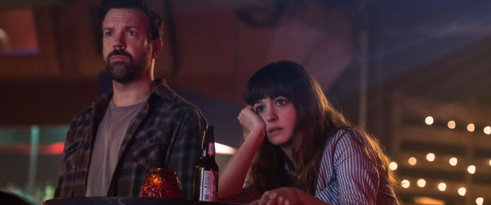 PHOTO: Jason Sudeikis and Anne Hathaway in Colossal.