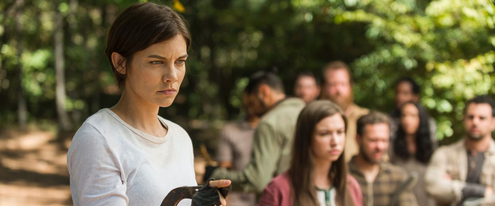 "PHOTO: Lauren Cohan as Maggie and Katelyn Nacon as Enid on ""The Walking Dead."""