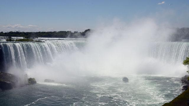 PHOTO: Niagara Falls.