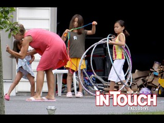 New photos of Kate Gosselin spanking her daughter