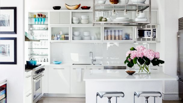 PHOTO: The kitchen of actress Julianna Margulies as pictured in the Feb. 2014 issue of Architectural Digest.